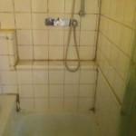 Dusche 2 (Vor Reinigung)